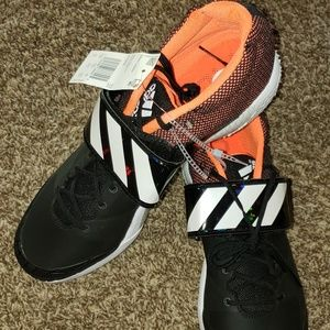 ADIDAS Adizero JAVELIN TRACK RUNNING SHOES